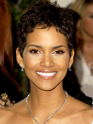 Short hairstyles of Halle Berry pictures 3