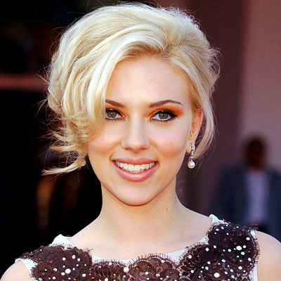 http://img2.timeinc.net/instyle/images/2007/galleries/070907_scarjo1_400X400.jpg