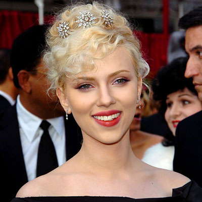 scarlett johansson hairstyle. Scarlett Johansson - Star Hairstyles from M to Z - Get Hollywood Hair