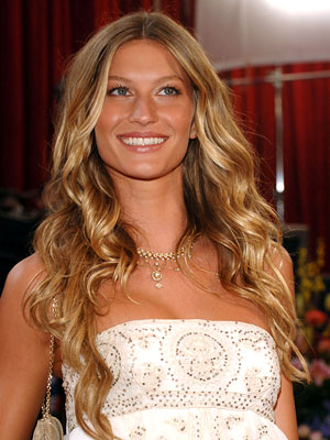 TRY ON GISELE'S SEXY CURLS NOW