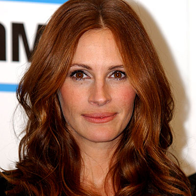 julia roberts hair color 2011. celebrity hair cuts-long wavy