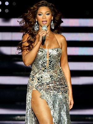[img width=40 high=40]http://img2.timeinc.net/instyle/images/2007/galleries/120407_beyonce_300X400.jpg[/img]