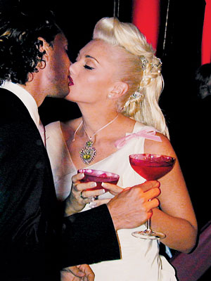 Wedding Day Details: Gwen Stefani and Gavin Rossdale