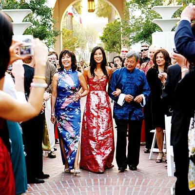 Wedding Flowers Lisa on Wedding  Lisa Ling   Paul Song   Instyle Weddings   Celebrity