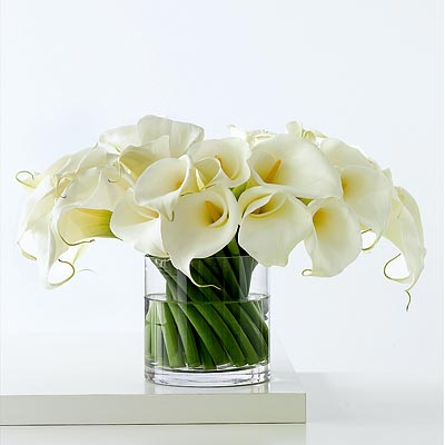 Modern Minimalism: Day 2 - One Arrangement, Two Occasions - In Style Weddings from instyleweddings.com