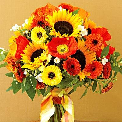 fantastic summer flowers arrangement for wedding