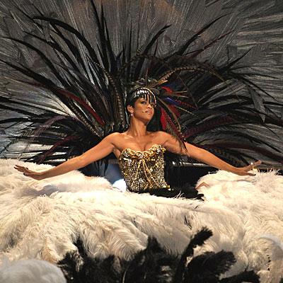 Ultimate Rihanna Fenty @ Ultimate-Rihanna.com
