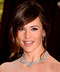 Jennifer Garner, Bobbi Brown Long-Wear Gel Liner in Black, MAC Pigment in Rushmetal, false lashes, eye shadows, mascara
