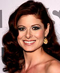 Debra Messing, blush