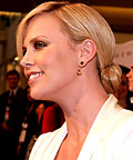 Charlize Theron, hair