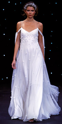 FashionDesigners - Bridal Gown Collections - Spring 2009 Bridal Photos at InStyle.com :  chic jenny packham color designers