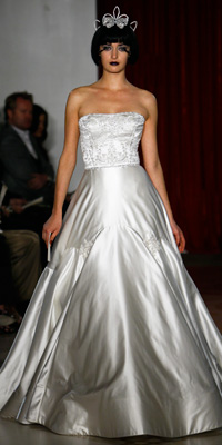 FashionDesigners - Bridal Gown Collections - Fall 2009 Bridal Photos at InStyle.com :  chic reem acra instyle designers