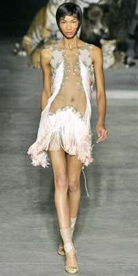 Alexander McQueen Spring 2009 Runway | Fringe :  chic style instyle color