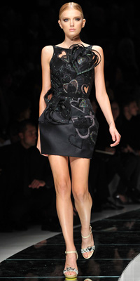 Versace - Runway Photos - Spring 2009 Runway at InStyle.com :  chic designers gold vintage