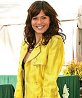 Mandy Moore, trenches, fashion week, trends, celebrity trends, celebrity style
