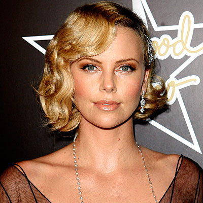 Celebrity Hairstyles - Charlize Theron short haircut trends in 2009