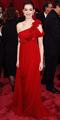 Anne Hathaway - Red Dresses - Oscars 2008 Fashion Trends - Oscars 2008 - Celebrities - In Style :  anne hathaway flower detail asymmetrical red dress
