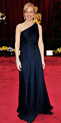 Amy Ryan - Asymmetrical Necklines - Oscars 2008 Fashion Trends - Oscars 2008 - Celebrities - In Style