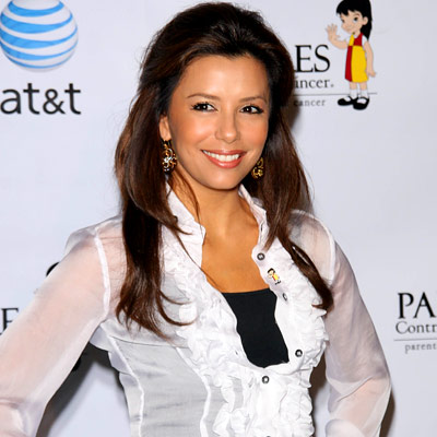 Eva Longoria Parker, Accepting donation for Padres Contra El Cancer, Los Angeles