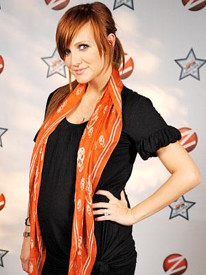 ashlee simpson pregnant. altTag Ashlee Simpson