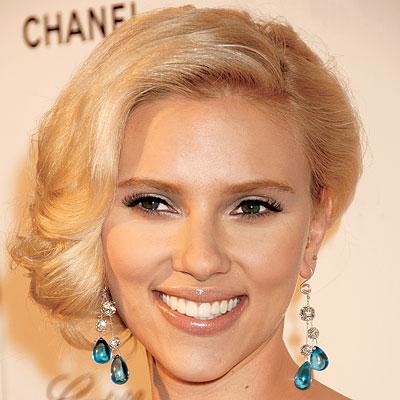 Scarlett Johansson Hairstyles.