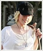 Ali Larter - blond