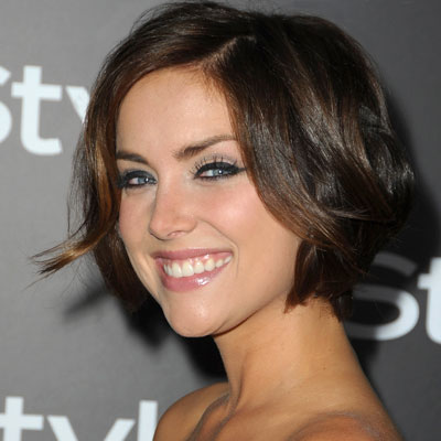 http://img2.timeinc.net/instyle/images/2009/dbf/082109-jessica-stroup-400.jpg