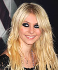 Taylor Momsen-Makeup Tip-Eye Shadow