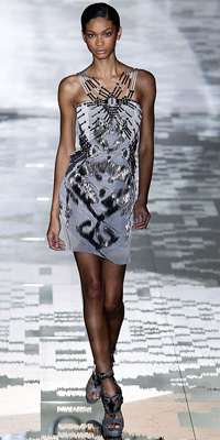Gucci - Runway Photos - Spring 2010 Runway at InStyle.com