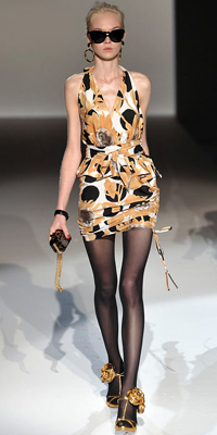 Moschino Runway Photos Spring 2010 Runway at InStyle com from fashiondesigners.instyle.com