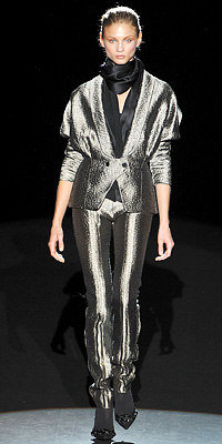 Fashion Designers - Runway Photos - Fall 2009 Runway at InStyle.com :  collection vintage metallic women