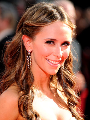 Jennifer Love Hewitt - Best Hair - 2009 Emmy Awards
