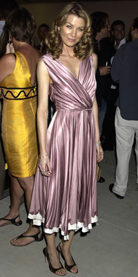 http://img2.timeinc.net/instyle/images/2009/gallery/100dress_pompeo_3_200x400.jpg