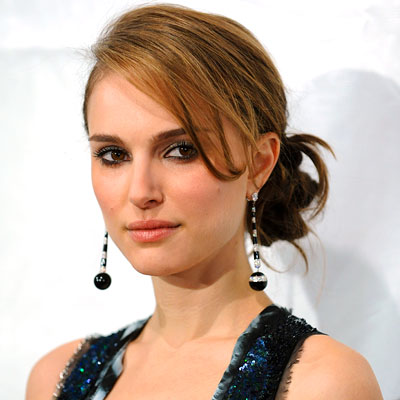 Stars' Holiday Hair & Makeup: Natalie Portman's Glowing Skin From Red Carpet