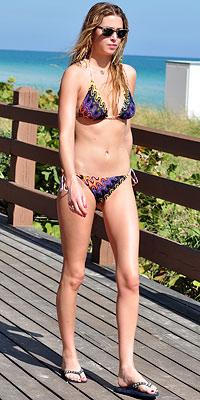 Ünlülerin Bikini Modelleri
