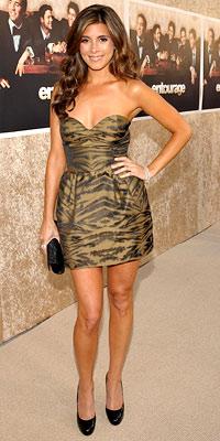Jamie-Lynn Sigler wearing DKNY