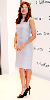 Eva Mendes in Calvin Klein Collection