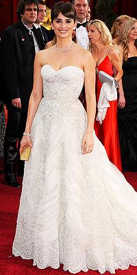022209 cruzm 200x400 Baú de ideias: Modelos de vestido   Oscar 2009