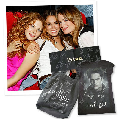 What's Right Now - First Look: Rachelle Lefevre's ebay Charity Auction