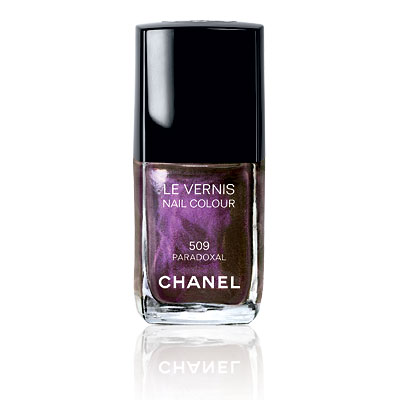 Chanel Le Vernis Nail Colour in Paradoxal