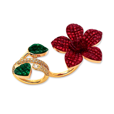 Van Cleef & Arpels Ruby, Emerald, Diamond and 18K Yellow Gold Magnolia Ring