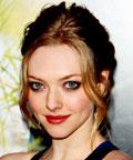 Amanda Seyfried-Dear John premiere-Monika Blunder-makeup