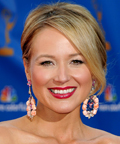 Jewel-2010 Emmy Awards-makeup