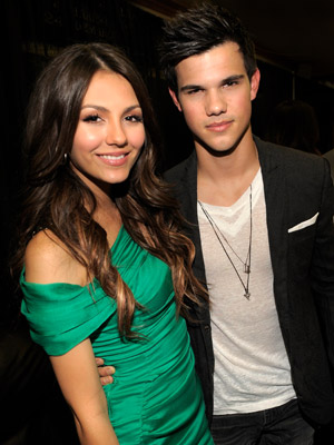 Victoria Justice and Taylor Lautner - The 2010 Kids' Choice Awards