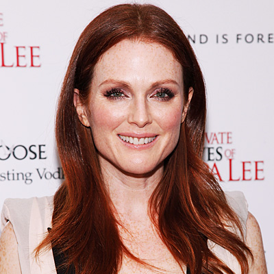 http://img2.timeinc.net/instyle/images/2010/transformation/2009-julianne-moore-400.jpg