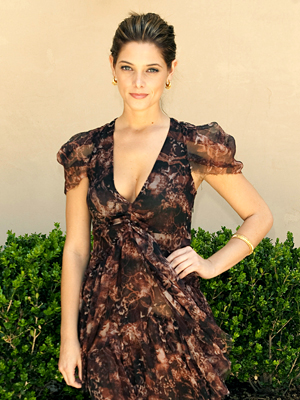 060410-ashley-greene-300.jpg