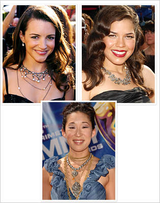 070110-emmy-poll2-necklace-315.jpg