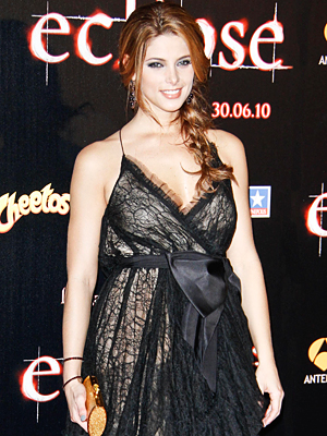 071510-ashley-greene-200.jpg