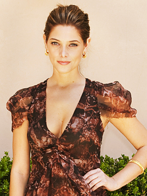 080410-ashleygreene-400.jpg