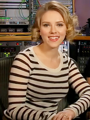 111210-scarjo-300.jpg